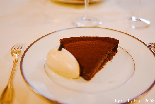 Tarte fine sablée au chocolat, glace à la vanille